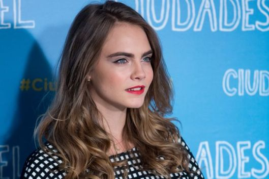Cara-Delevingne-attends-the-Paper-Towns-Ciudades-de-Papel-photocall